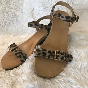Vionic Low Wedge Orthotic Sandal Leopard 39 EUR